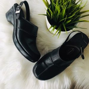 DR. SCHOLL'S Brenna Black Leather Clogs Size 9